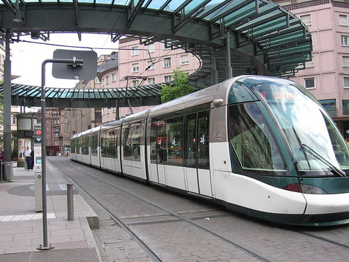http://www.ecocompactcity.org/Eco-public-transport/big/Tram-big-Strasbourg.jpg